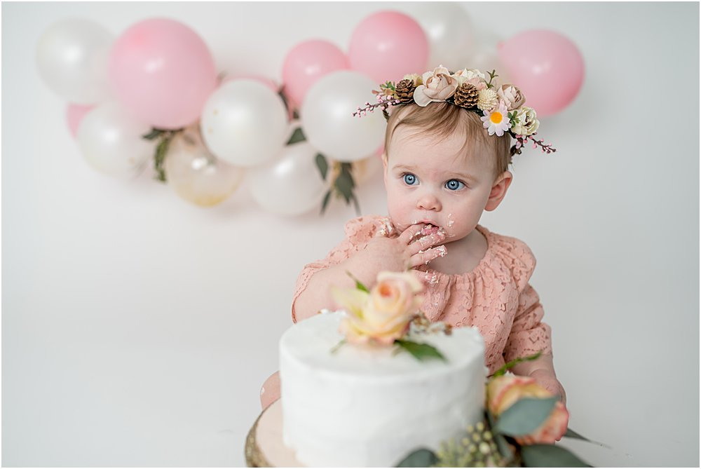 Celebrate Your Baby's First Birthday With A Cake Smash Photo